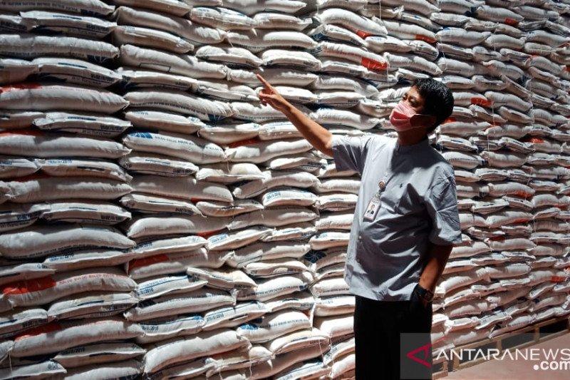 Bulog NTB menargetkan pabrik pengolahan beras rampung pertengahan 2021