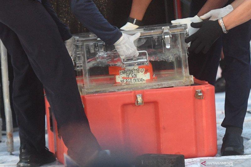 Panglima TNI secara resmi serahkan FDR kotak hitam Sriwijaya Air ke KNKT