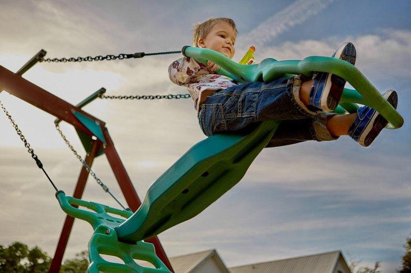 Menyiasati anak tetap  aktif meski di dalam rumah
