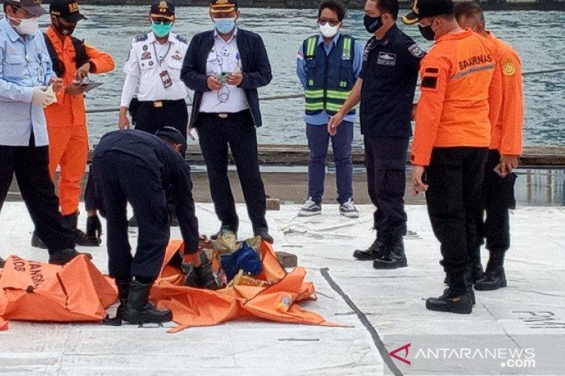 Tim SAR gabungan kembali menemukan serpihan badan pesawat Sriwijaya Air