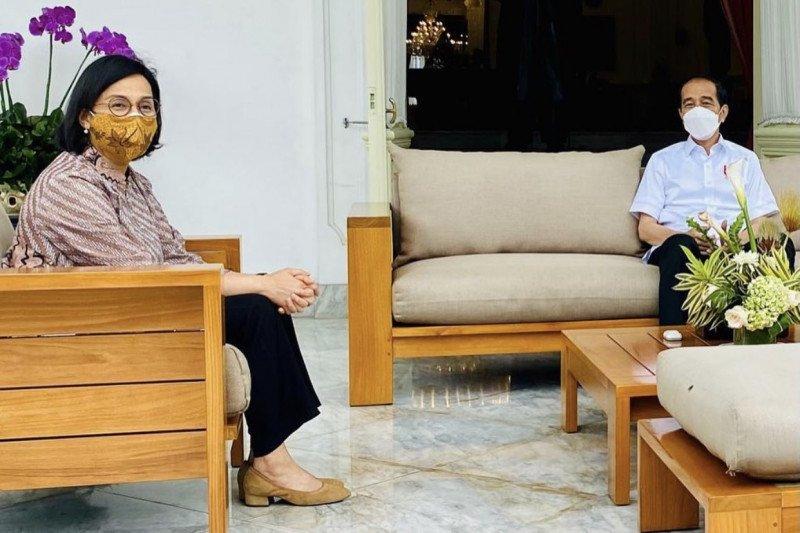 Usai divaksin, Jokowi bertemu Sri Mulyani dan Erick Thohir