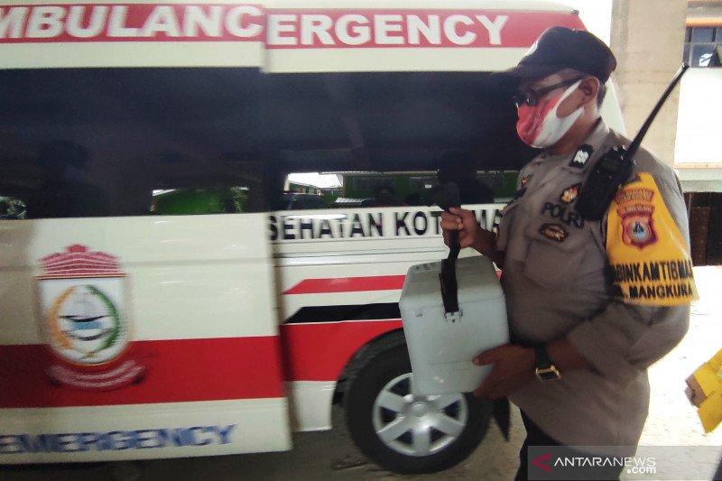 Dinkes Kota Makassar distribusikan vaksin COVID-19 Sinovac ke puskesmas