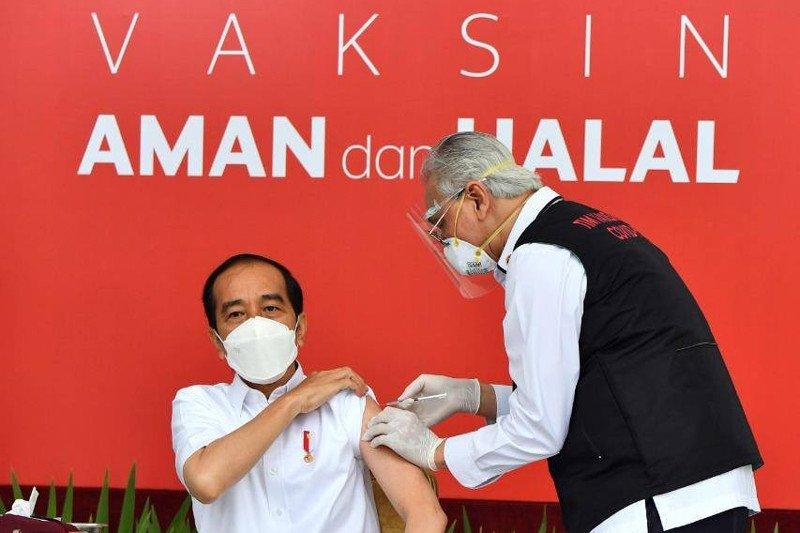 Sejumlah pertanyaan diajukan ke Presiden Jokowi sebelum  divaksin