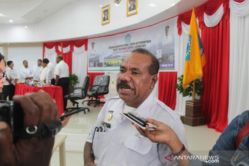 Dinkes Jayawijaya wajibkan puskesmas edukasi warga terima vaksin COVID-19
