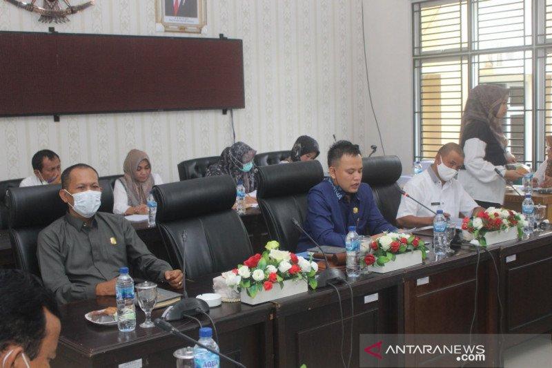 Habis masa jabatan, Wali Kota dan Wakil Wali Kota Solok diberhentikan DPRD