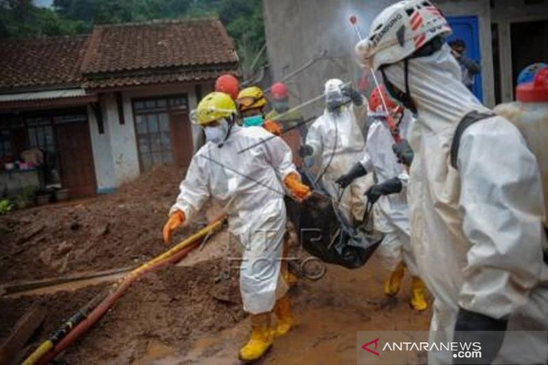 24 Korban Tanah longsor Telah Ditemukan Dan 16 Korban Masih Dicari