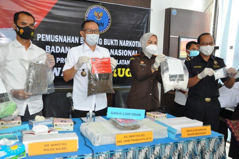 BNNP Sulsel musnahkan 1.440 pil ekstasi dan dua kilogram ganja
