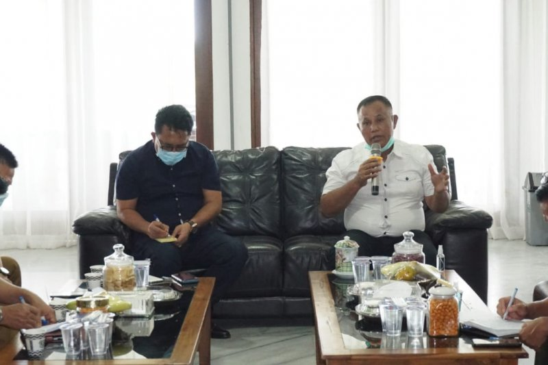 Bupati Lampung Selatan siap menjadi orang pertama divaksinasi