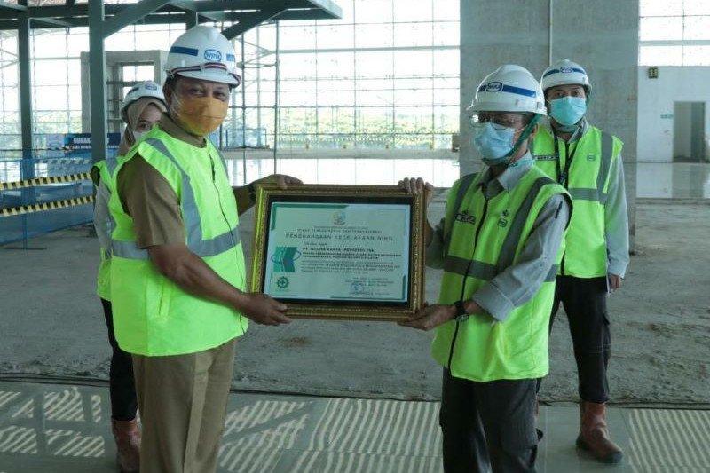 WIKA raih penghargaan 10 juta jam kerja selamat pada proyek Bandara Hasanuddin