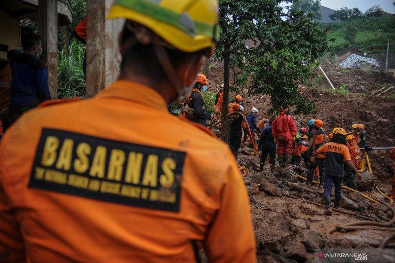 Komisi VIII DPR tinjau penanganan korban bencana longsor Sumedang