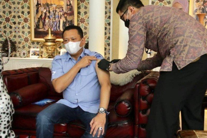 Ketua MPR Bambang Soesatyo bersedia divaksin bentuk dukung pemerintah atasi COVID-19