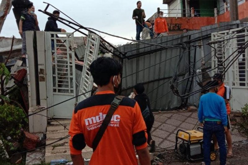 Muhammadiyah menerjunkan tim penanggulangan bencana ke Majene