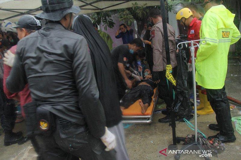 Evakuasi dua anak perempuan terjebak reruntuhan di Mamuju Sulbar dipercepat