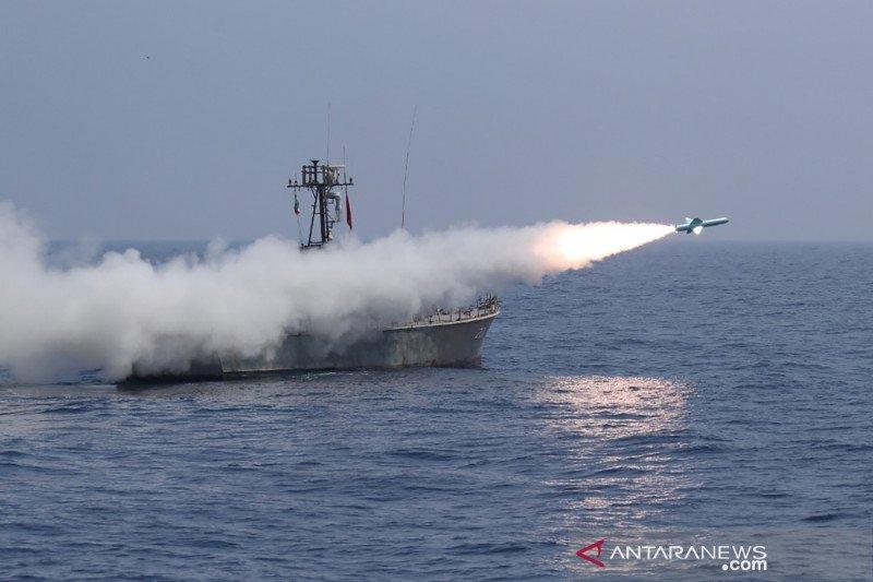 Latihan militer, Iran tembakkan rudal balistik jarak jauh ke Samudera Hindia