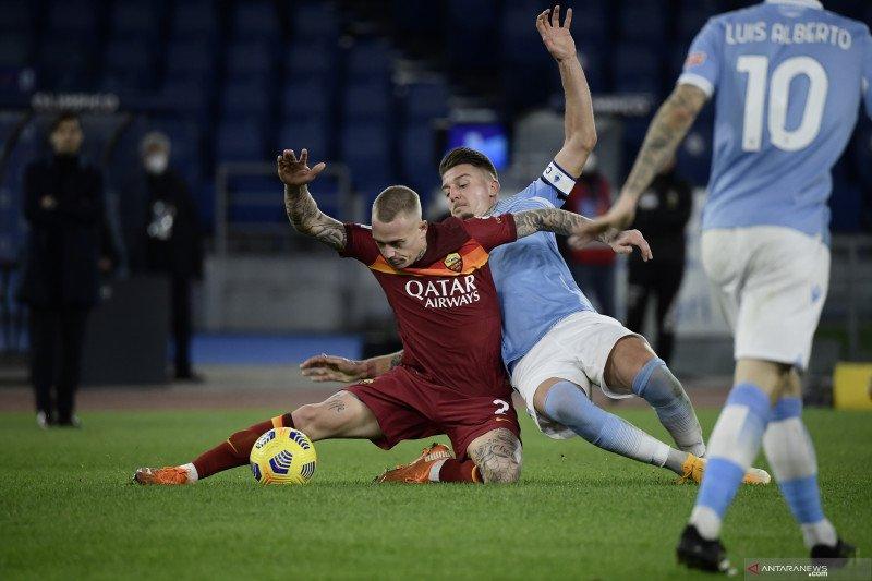 Luis Alberto sumbang dua gol saat Lazio tekuk Roma
