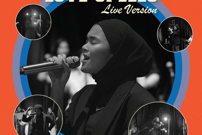 "Azizah akan rilis album ""Love Spell Live Version"""