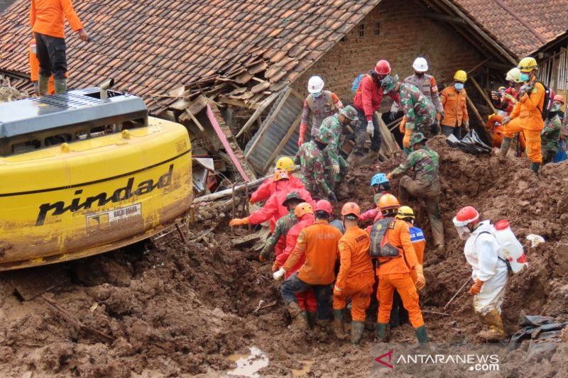 Ini identitas 25 korban tewas akibat longsor Sumedang