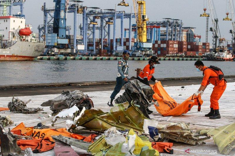 Tim DVI Polri telah terima 188 kantong jenazah Sriwijaya Air SJ-182