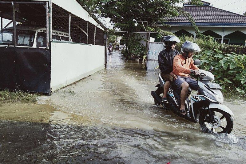 Hari keempat, banjir di Banjarmasin masih belum surut