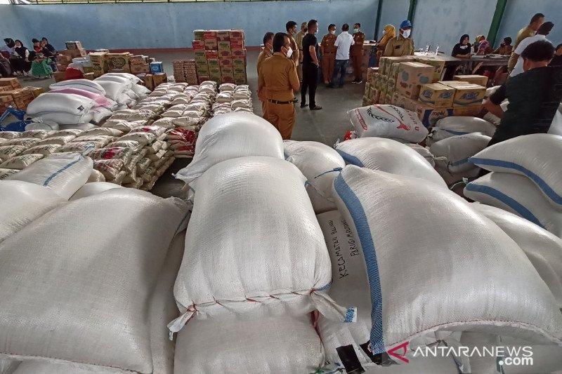 Pemkab Parimo  distribusi 10 ton beras untuk korban gempa Sulbar