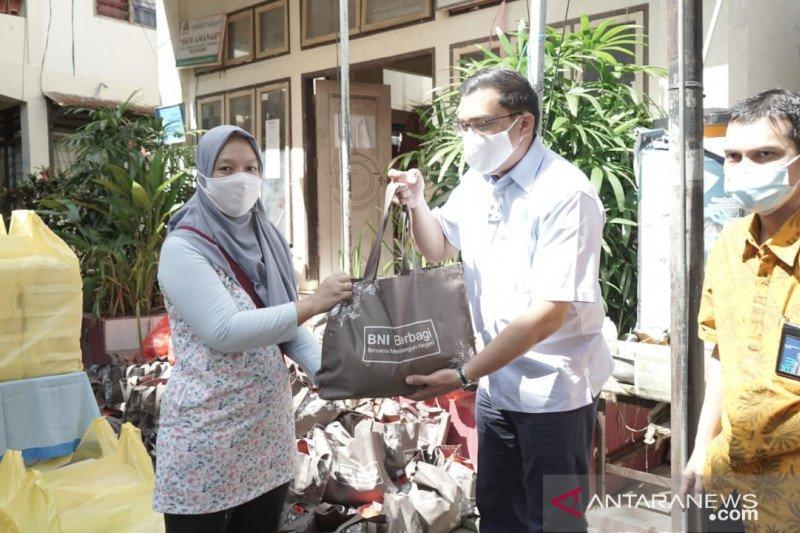 BNI menyalurkan bantuan korban bencana di Sulawesi Utara dan Jawa Barat