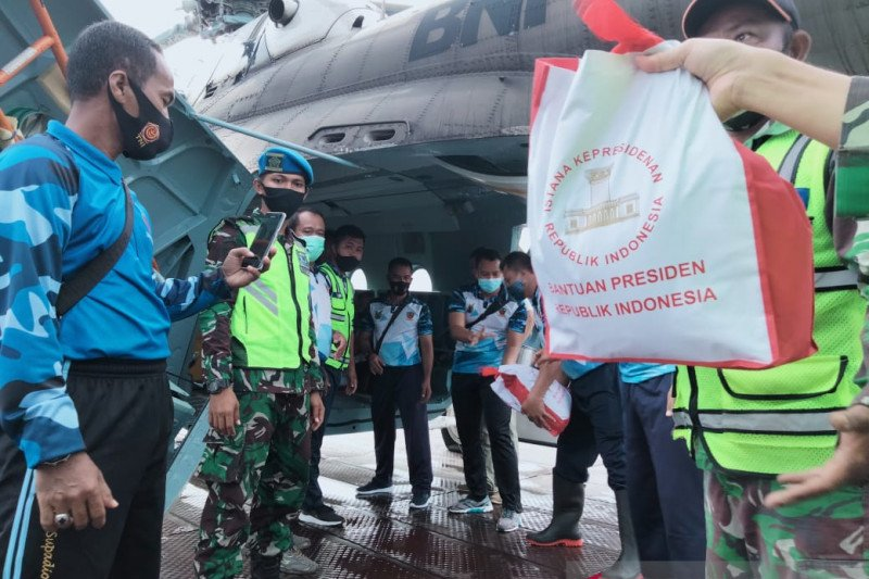 Bantuan presiden untuk korban banjir di Kalsel disalurkan lewat jalur udara