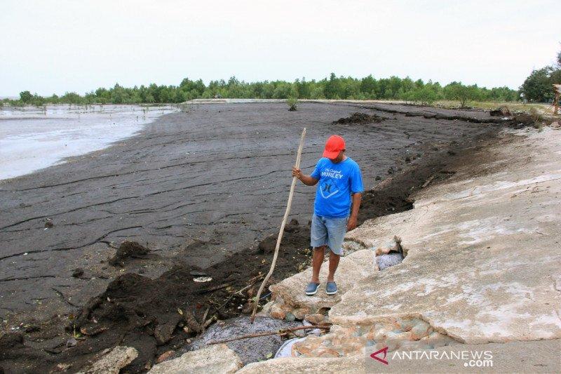 Abrasi Pantai Wisata Selat Baru