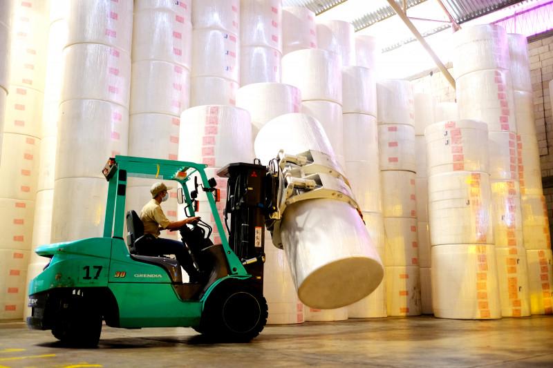 Jaga pertumbuhan ekonomi, Wamendag lepas  ekspor tisu