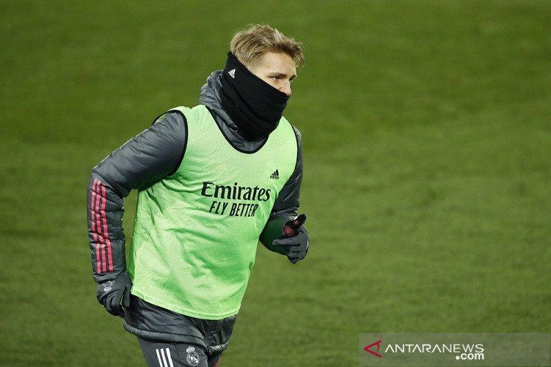Arsenal ingin pinjam Martin Odegaard dari Madrid