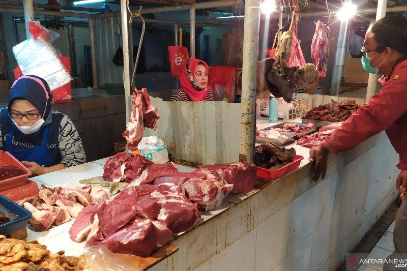 Disdagin pastikan harga daging belum naik signifikan di Kota Bandung