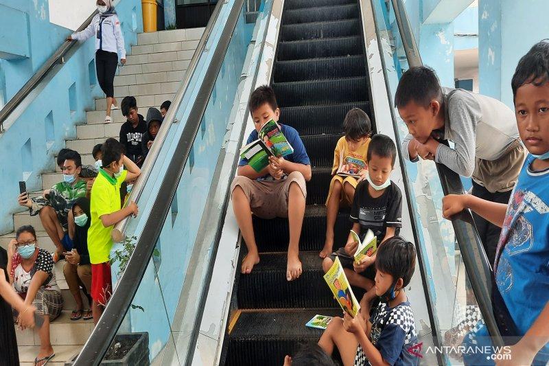 Korban banjir di Banjarmasin jadikan terminal tempat mengungsi