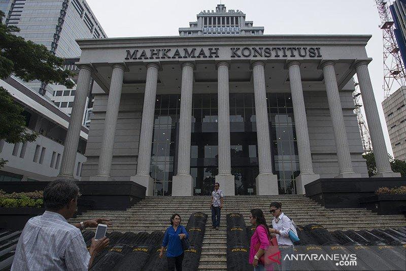 Cagub Sumbar Mulyadi persoalkan penetapan tersangka sidang MK