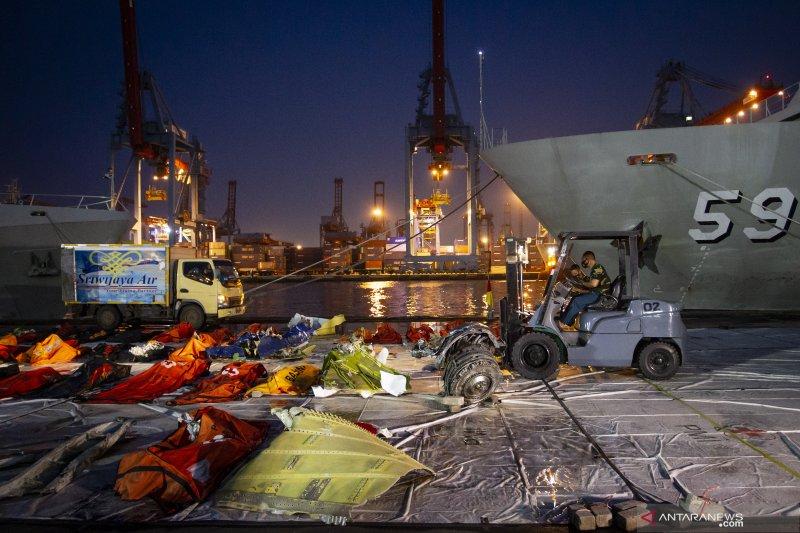 KNKT masih mencari CVR SJ 182 secara manual di dasar laut