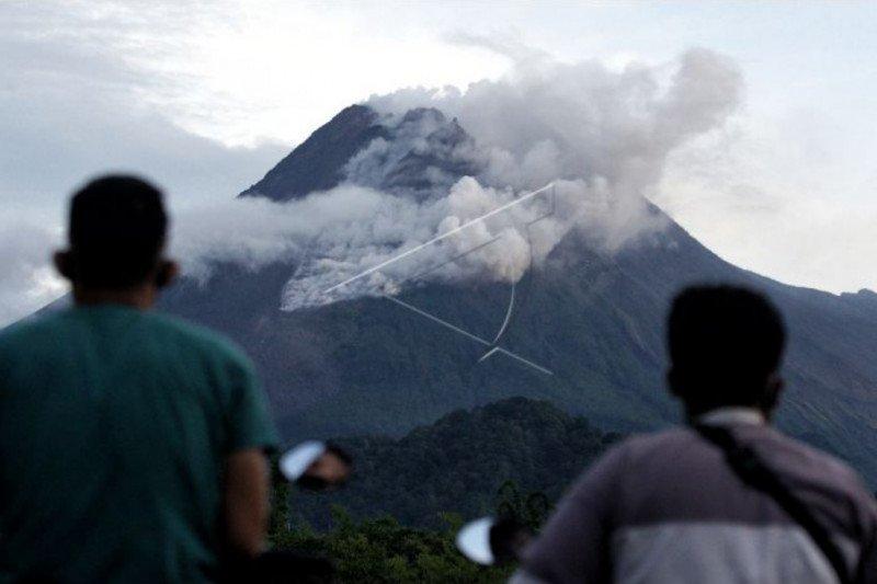 BPPTKG:  volume kubah lava Gunung Merapi masih tergolong kecil