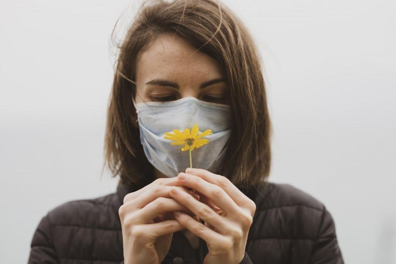 Yang harus dilakukan saat penciuman hilang akibat COVID-19