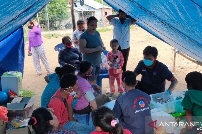 Tim medis NasDem beri layanan kesehatan  di wilayah pinggiran Mamuju