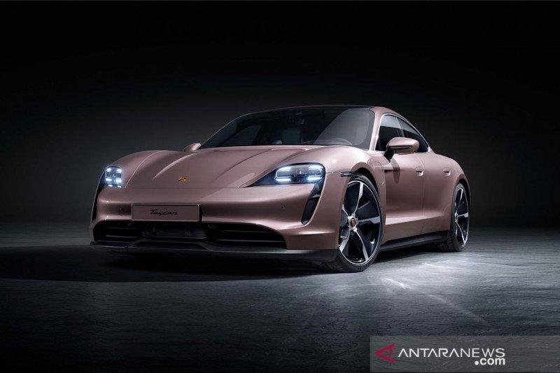 Porsche Taycan tampilkan penyegaran baru, harga Rp2,5 miliar