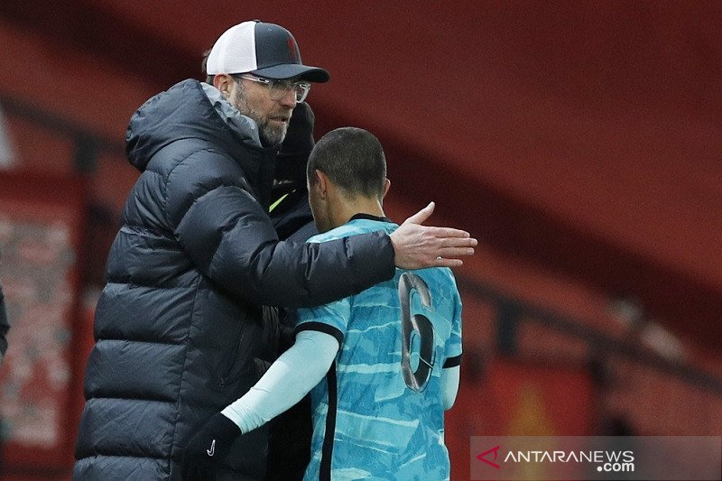Pelatih Klopp mengais aspek positif dari kekalahan lawan MU di Piala FA