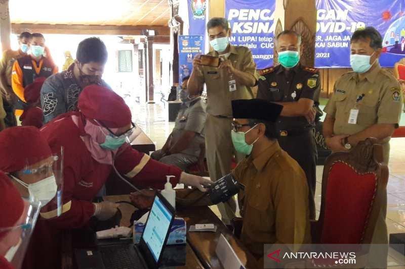 Alami hipertensi, sejumlah pejabat di Temanggung batal divaksin COVID-19