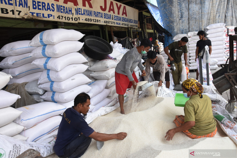 Kementan pastikan stok beras aman dan harga stabil saat PPKM