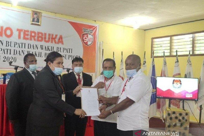 KPU Supiori tetapkan Yan Imbab-Nichodemus menjadi bupati dan wakil bupati terpilih