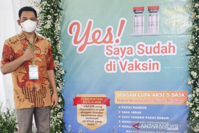 Bantu yakinkan masyarakat, Ketua Komisi IV DPRD Bogor ikut divaksin Sinovac
