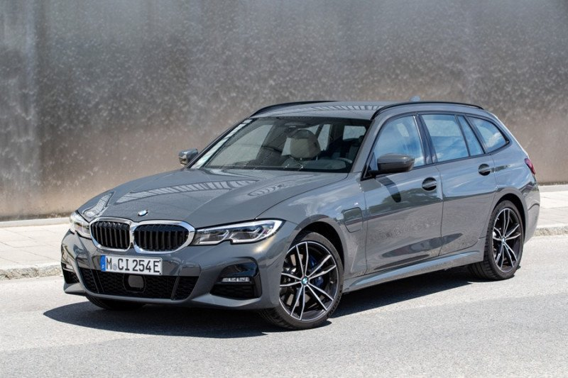 Di masa pandemi,  2.565 BMW premium terjual di Indonesia