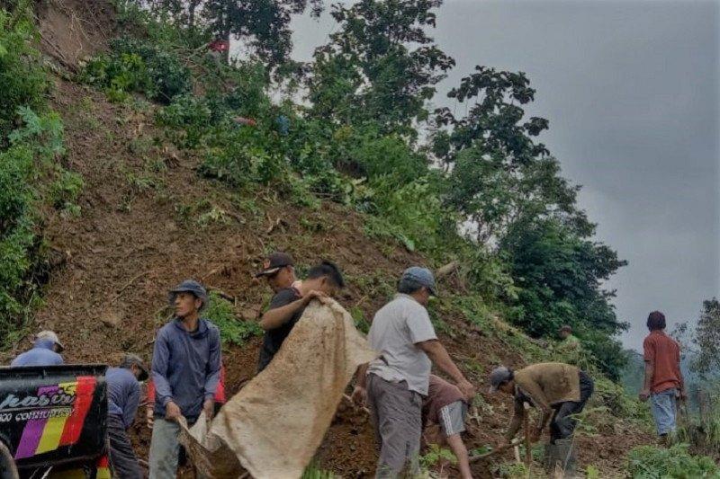 Longsor landa Desa Wisata Tempur di Keling  Jepara