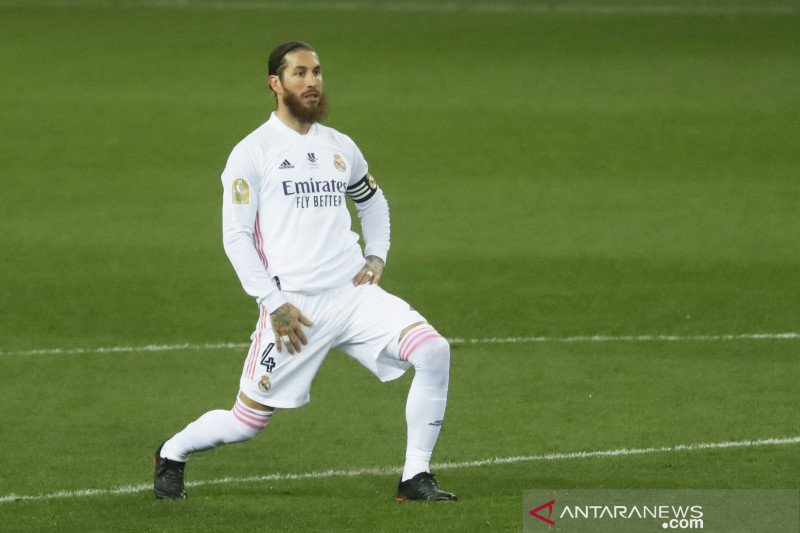Kapten Madrid Sergio Ramos dinyatakan positif COVID-19
