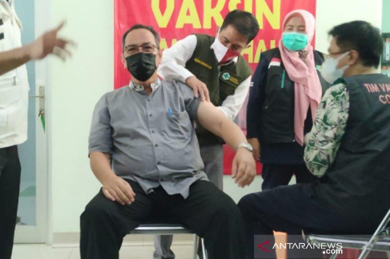 Kota Tasikmalaya mulai laksanakan vaksinasi perdana
