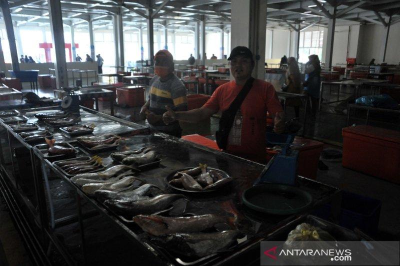 Pasar ikan modern Palembang sepi