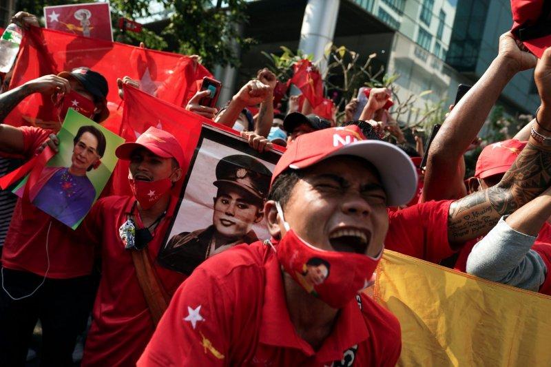 Pertemuan pertama pemerintahan, pemimpin kudeta Myanmar sebut pengambilalihan kekuasaan tak terelakkan