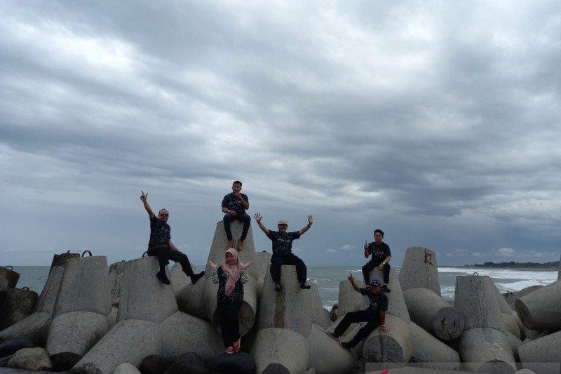 Pemkab Kulon Progo memproyeksikan Pantai Glagah bertaraf internasional