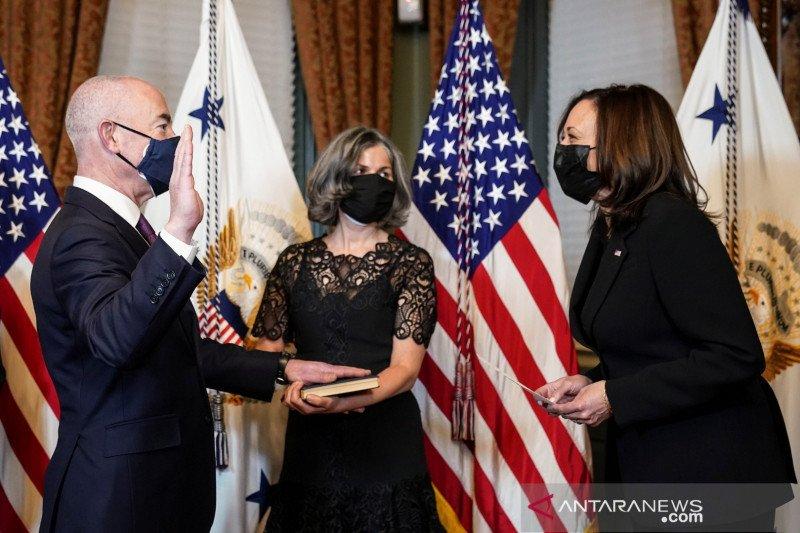 Kepala Keamanan  Dalam Negeri Joe Biden sumpah perangi terorisme domestik